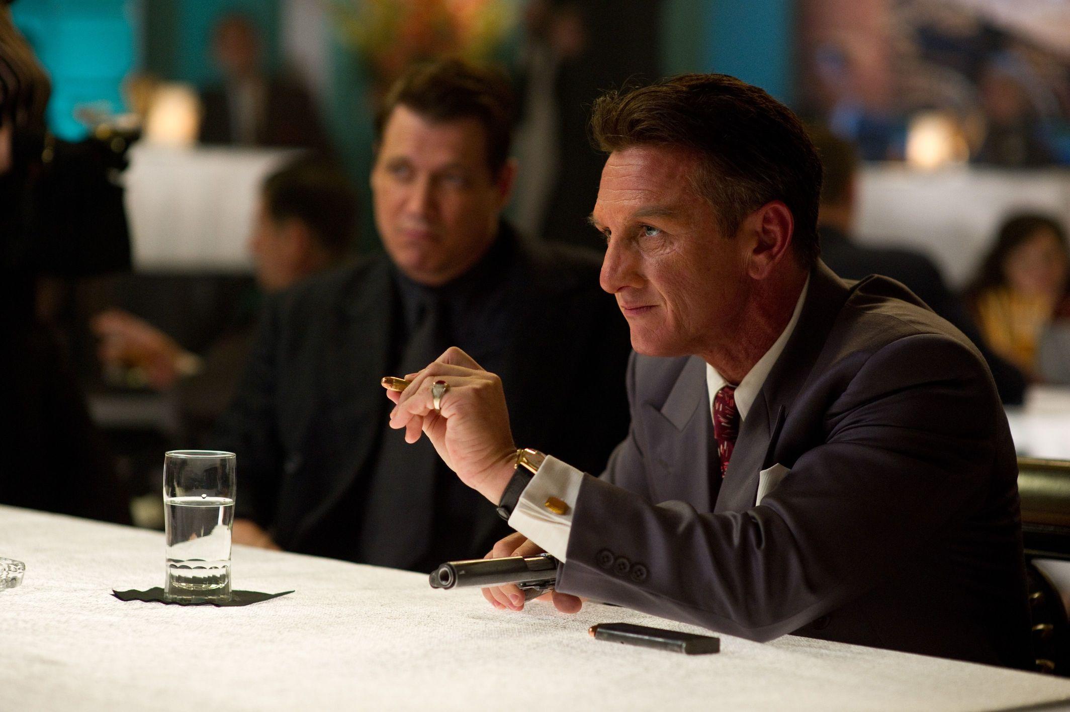 Micką Coheną vaidina aktorius - Sean Penn